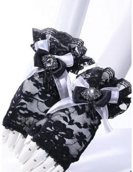 Manusi gotice negre cu alb